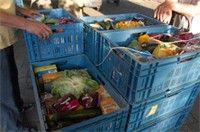 Samenwerkingsverband Unilever en Voedselbanken - Unilever heeft een 3-jarig samenwerkingsverband afgesloten met de Europese Federatie van Voedselbanken (FEBA) in de strijd tegen honger en verspilling. Unilever doneert jaarlijks 100.000 euro voor de oprichting van nieuwe voedselbanken.