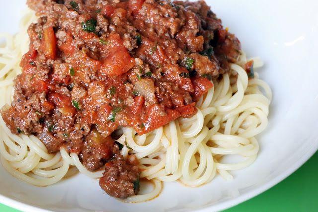 Sachen die glücklich machen: Spaghetti Bolognese nach Jamie Oliver, deutsch