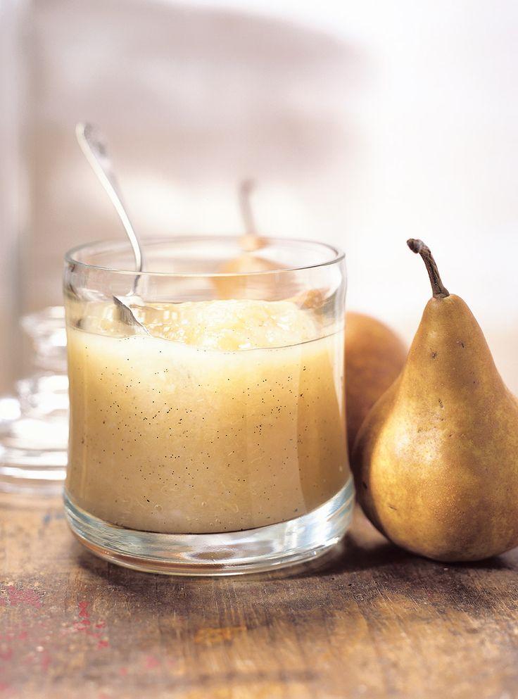 Recette de compote de poires aux épices de Ricardo. Recette de purée aux fruits épicée qui fait un très bon dessert santé. Avec miel, anis étoilé, poires, muscade, cannelle, jus de citron...