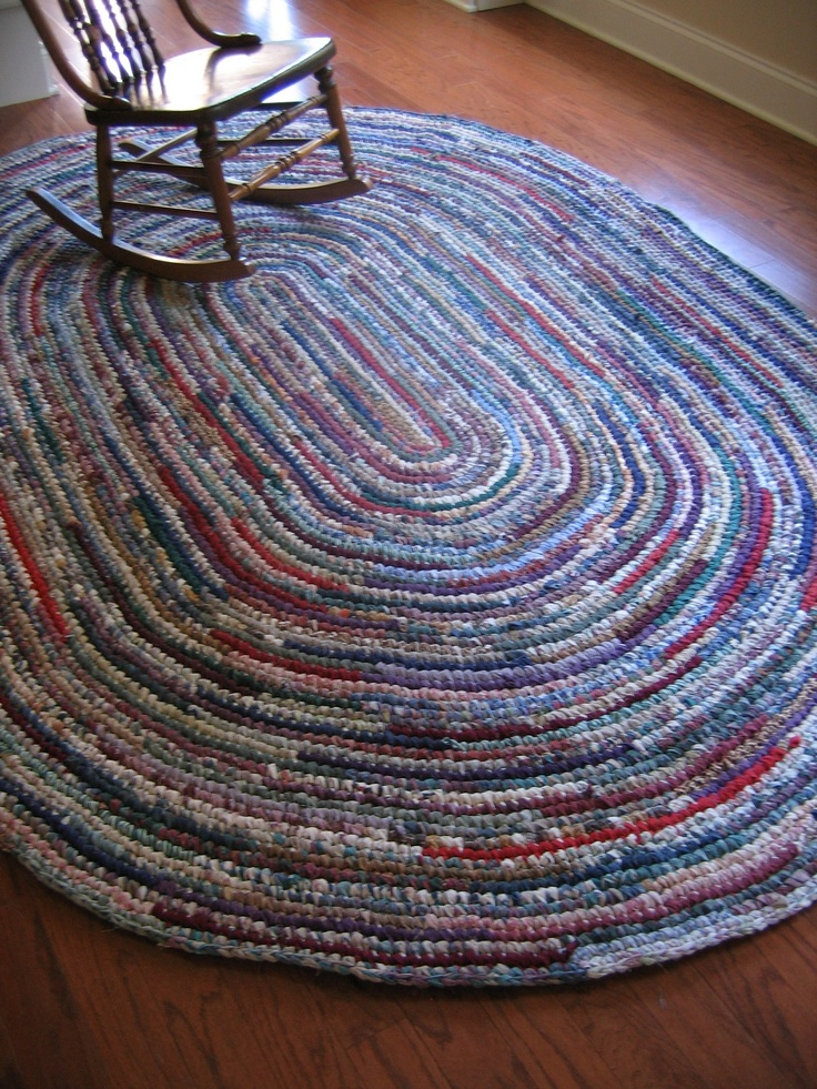 Rag Rug Eight Foot Oval Hand Crocheted Tapetes