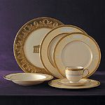 Obamas chose Lenox china from the White House's historic china collection
