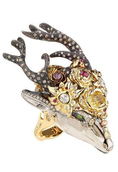 """Ring """"Solstice - Elle obtient tout ce qu'elle désire"""" by Sylvie Corbelin."""