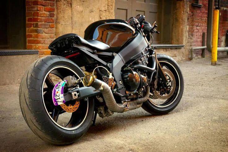 Kawasaki ZX6R Hellcat