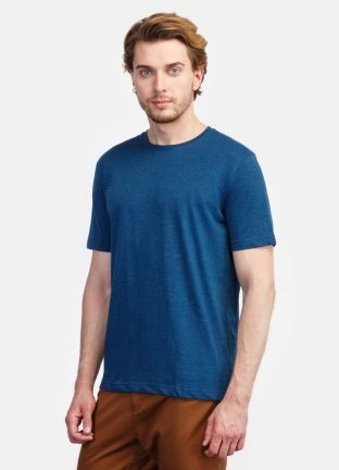 Базовая мужская футболка за 599р.- от OSTIN