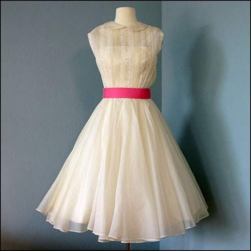 Wish I could find something like this. Fun, cute, classy