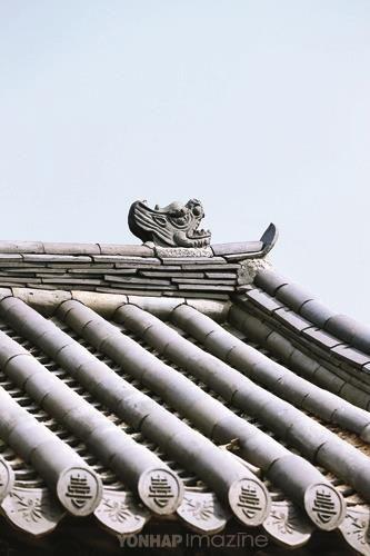 2014 미스 월드 코리아 왕관 컨셉 - 한국의 美, 창덕궁, 기와  #korea #veluce