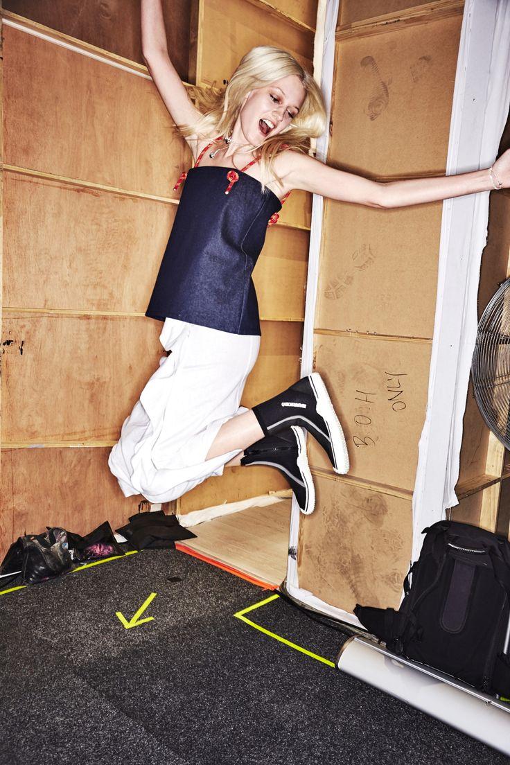 http://www.sonnyphotos.com/2017/05/vale-denim-resort-2018-fashion-show-sydney-backstage