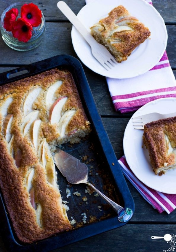 {Recipe} Mix and bake coconut, oat and apple slice // for ANZAC Day