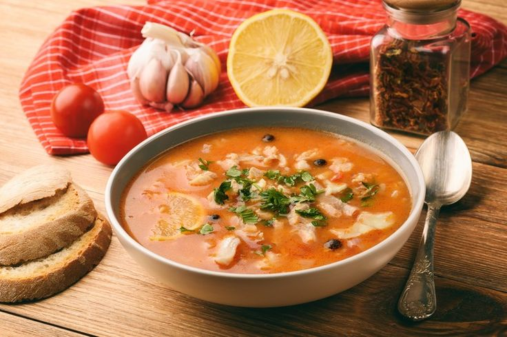 Рыбный суп с брюшками лосося получается очень вкусным и легким. У вас точно будут просить добавки. А еще очень легко и быстро готовится.