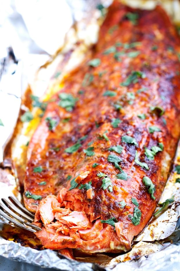 Chili lime baked salmon in foil recipe jars garlic for Broil fish in oven