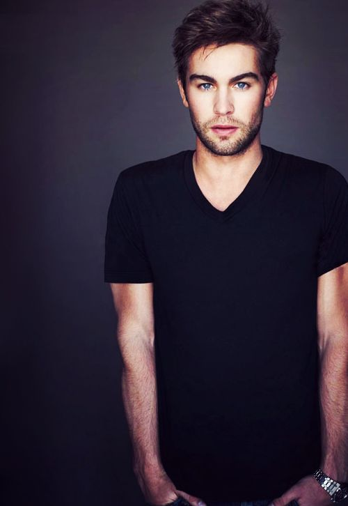leahcatherinelove:  Oh my god for a second i didnt even recognize it was chace!