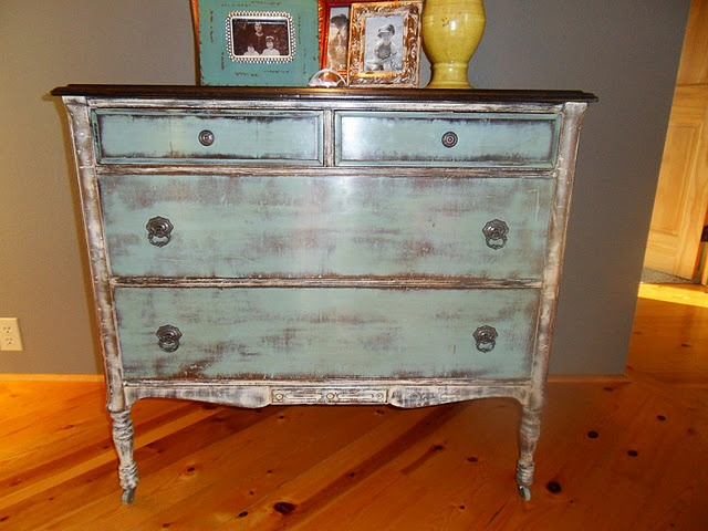 I Wish I Could Find Old Furniture To Redo.