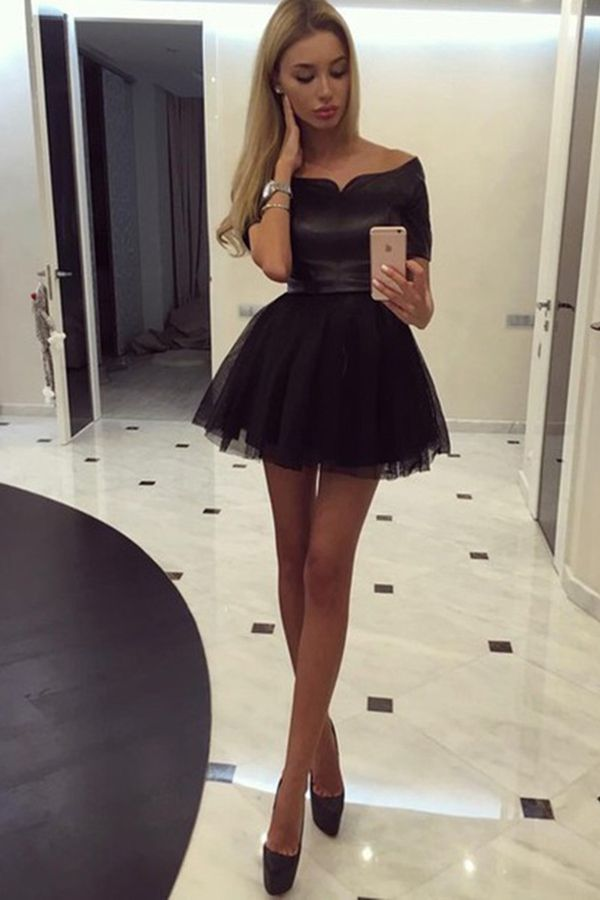 Sexy Short Sleeves Off-the-shoulder Short Black Homecoming Dress
