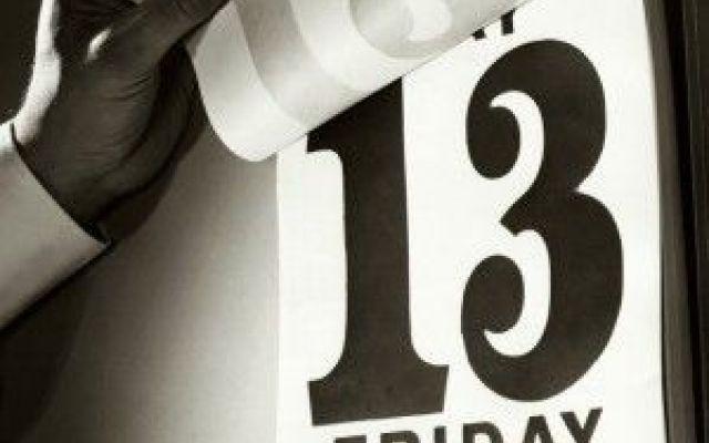 Perché venerdì 13 è un giorno sfortunato? Ecco le origini di questa popolare superstizione.  Nella storia della  mitologia scandinava ci viene narrato che c'erano 12 semidei,fino a quando arrivò Loki, il tredicesimo il quale  era crudele c #venerdì13
