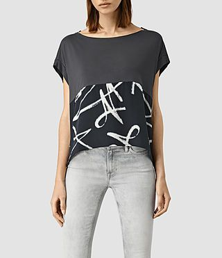 Two-fabric Tee with grown-on sleeves
