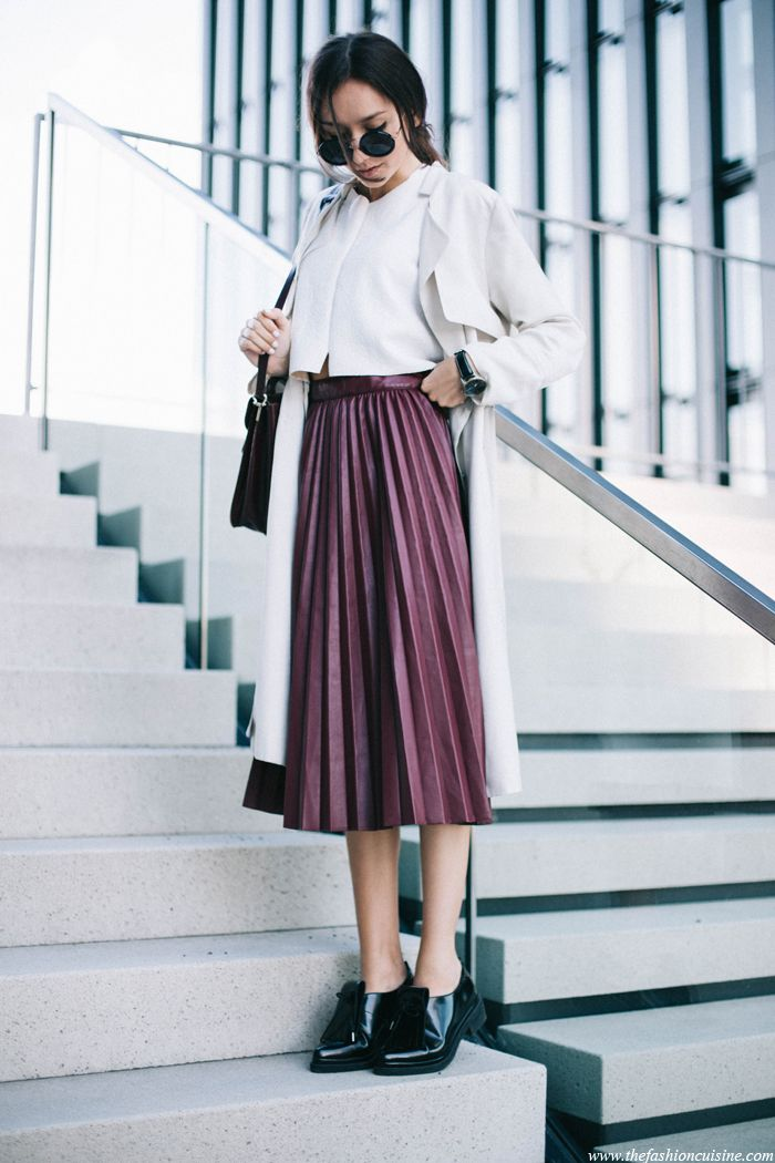 pleated leather skirt outfit, easy effortless look, fashion blogger street style