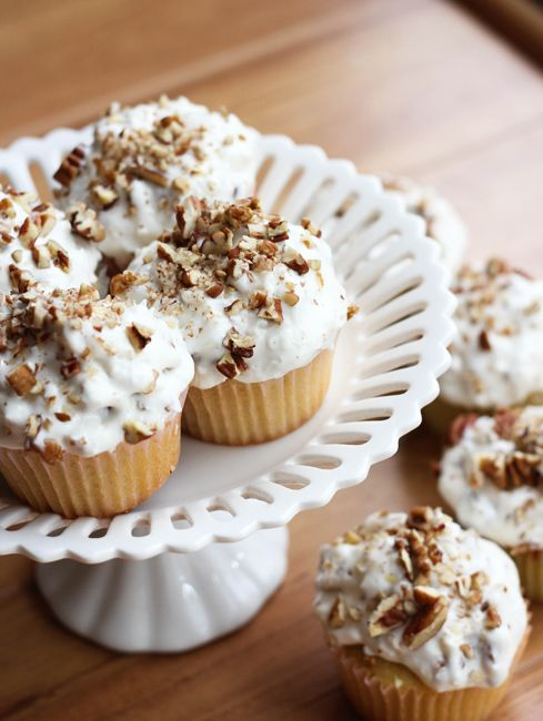 Pioneer Woman Inspired Italian Cream Cupcakes | These cupcakes are as tasty as they look!