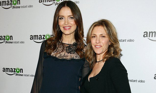 burrows gay singles Check out more about saffron burrows partner, gay, pregnant and plastic surgery 44 years old, saffron burrows is an actress and model her popularity comes from the movies such as deep blue sea, wing commander, enigma, the bank job, and troy.