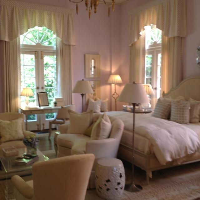 17 best images about bachelorette home ideas on pinterest for Bachelorette bedroom ideas