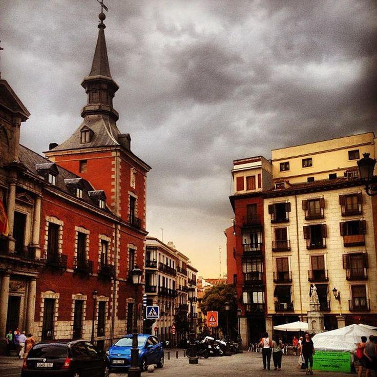 Plaza Santa Cruz - Sol - Madrid