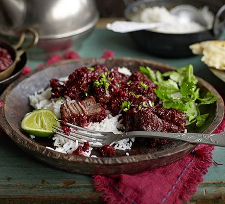 This Pakistani curry has a deep purple hue and is flavoured with fragrant cinnamon, cumin and coriander