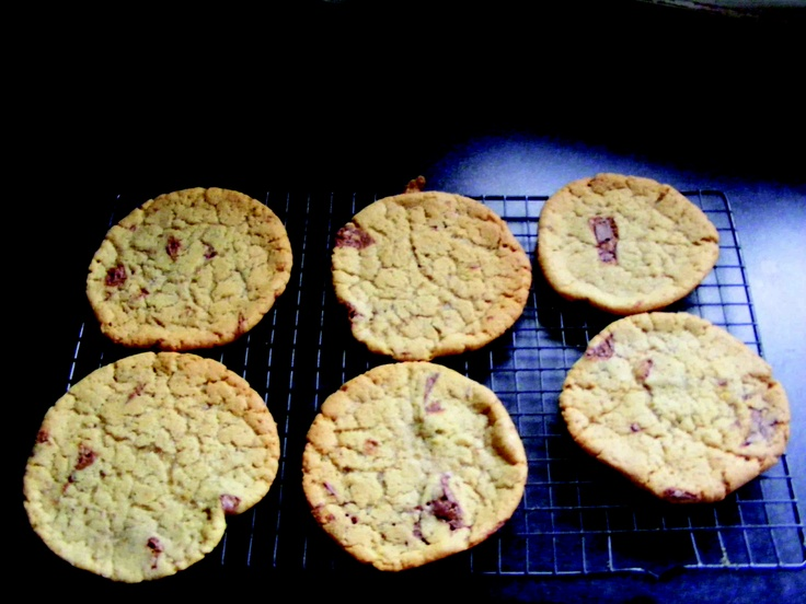 Two of our young cooks, Darragh and Cian Fitzgerald, share their recipe for these delicious chocolate chip cookies: http://twitdoc.com/15M9