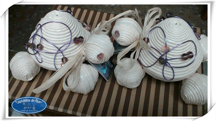 https://flic.kr/p/vtgRYq | Tortugas joyero con decoración de alambre | ENCARGO. Tortugas joyero con decoración de alambre. Han sido las elegidas como regalo por una alumna para sus profesoras.  Con ellas os dejo hasta la semana que viene.  Desearos un buen fin de semana.