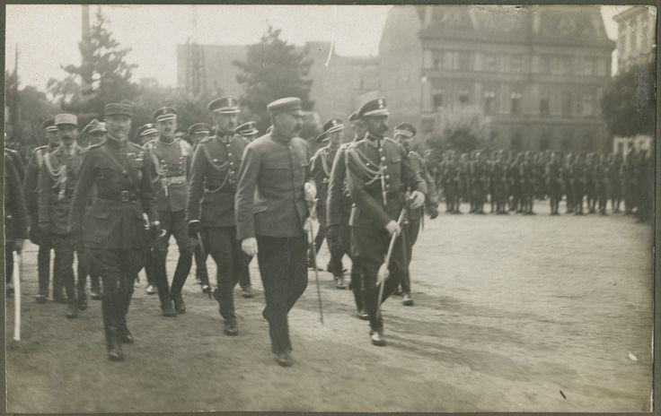 Piłsudski podczas przeglądu wojska, Warszawa 6 sierpnia 1919