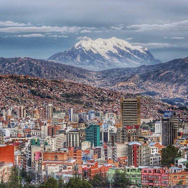La Paz, Bolivia. :@challengesophie #bolivia                                                                                                                                                                                 Más