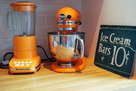 oranges  kitchen  decor   Splash Your Cooking Mood with Orange Kitchen Accessories
