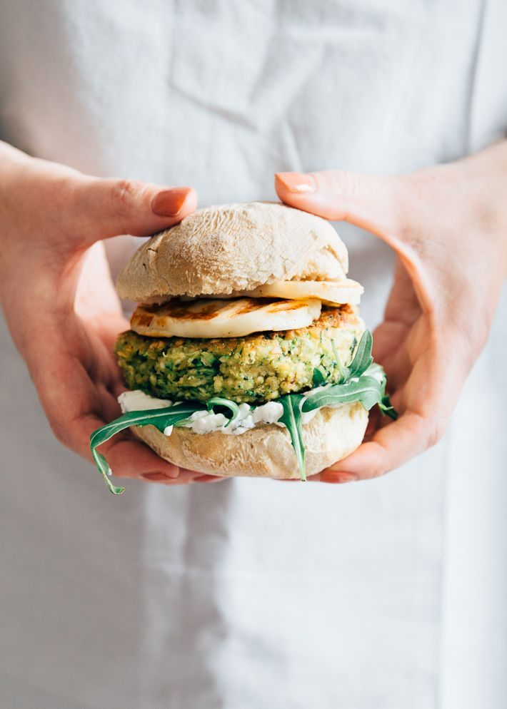 Vegetarische courgetteburger met halloumi - Uit Pauline's keuken