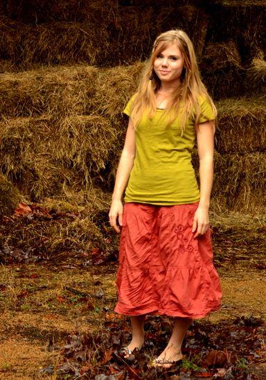 Olivia Williams-Howard of Fresh Modesty.   Eerbare kleding. Eng. Modest clothing. Fr. Vêtement modeste. Du. Bescheidene Kleidung. Sp. ropa modesta. Ru. Скромная одежда.