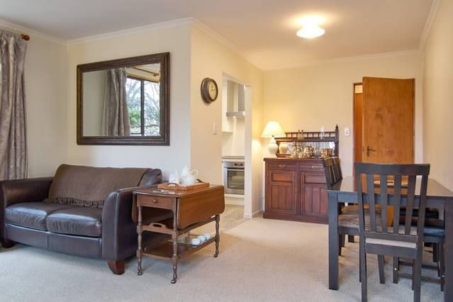 Arrowtown Holiday Home accommodation. Arrowtown's Durham Cottage