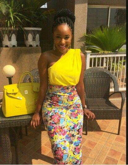 Un belle robe bi - matière pagne et tissus jaune                                                                                                                                                      Plus