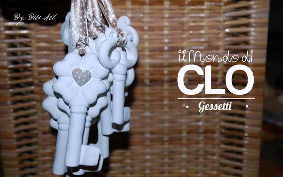 Bomboniera segnaposto chiavi in gesso decorato a mano di Bibart
