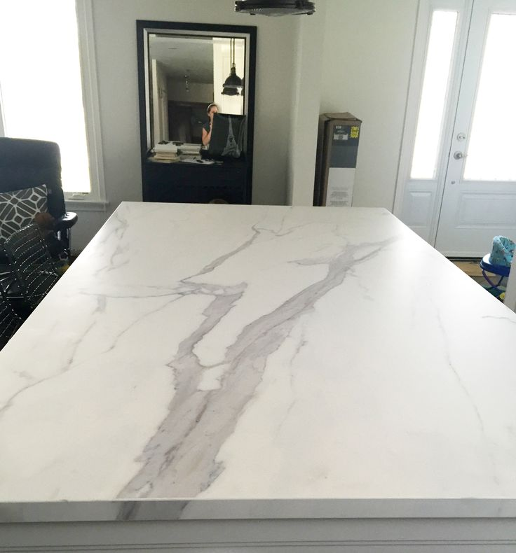 A Honed 12mm Neolith Island Counter In A Statuario