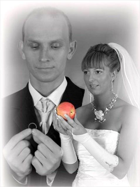 Awkward Wedding Photos- What is this, Twilight slash Lord of the Rings? Unacceptable.