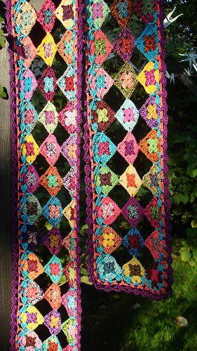 hækleriet 069 - pretty crochet motifs scarf to admire by Hanne Laursen on flickr