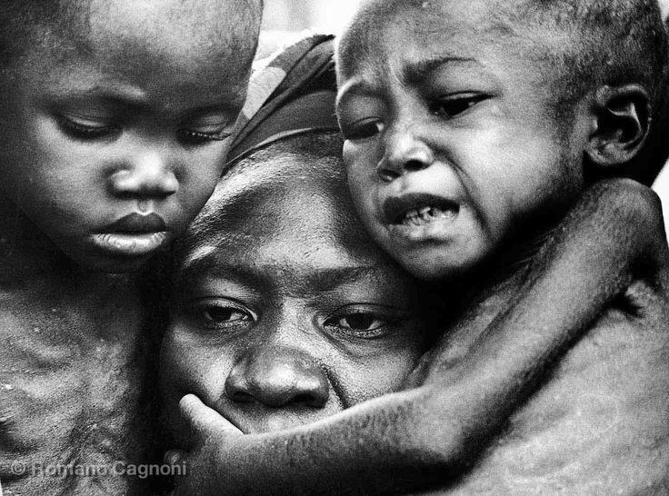 Come pugni in faccia. Romano Cagnoni, le immagini del fotoreporter italiano più famoso del mondo