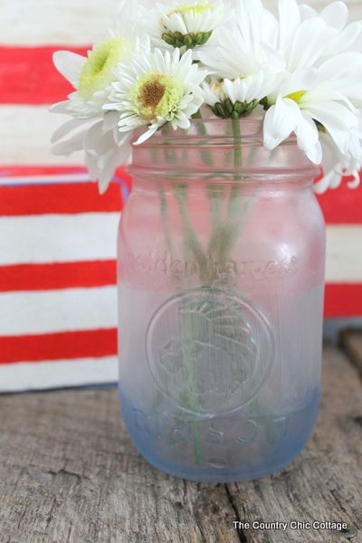 Patriotic Frosted Mason Jar in 15 Minutes or Less - * THE COUNTRY CHIC COTTAGE (DIY, Home Decor, Crafts, Farmhouse)