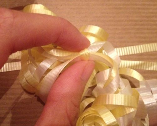 How to Create a Curling Ribbon Bow