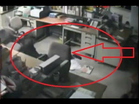 Video Amatir Penampakan Hantu, Penampakan Hantu Nyata, Hantu Nyata Terekam Kamera CCTV, Hantu Terkenam Kamera, Penampakan Hantu menyeret Manusia, hantu merup...