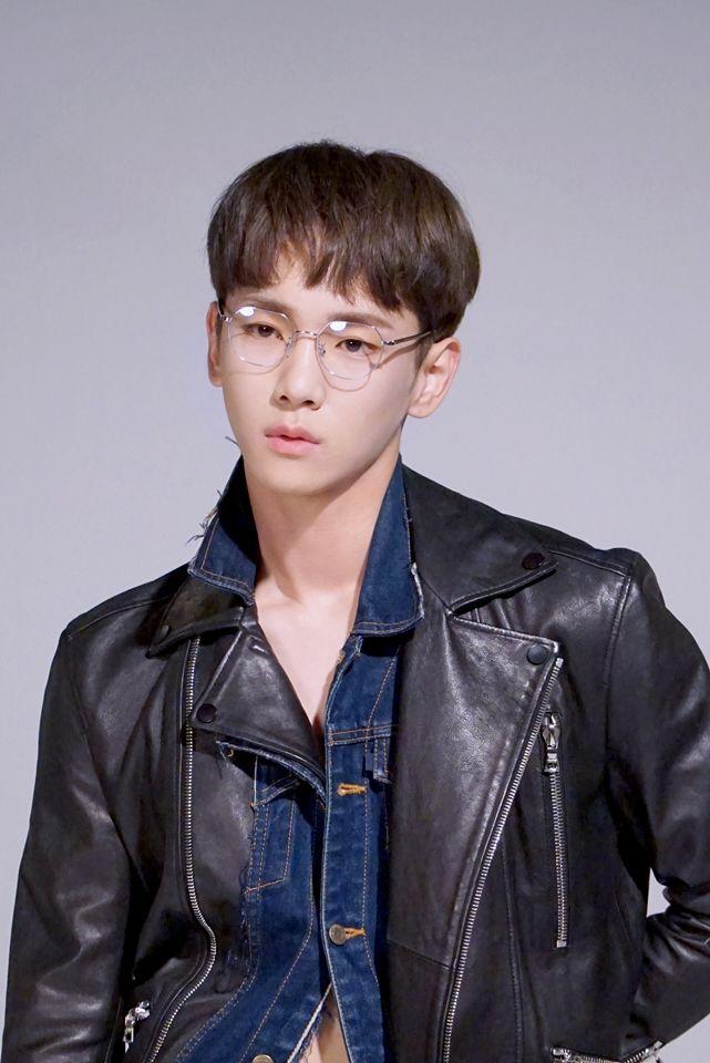 [Vyrl] SHINee : 샤이니 키, 그의 매력은 어디까지? 패션매거진 '#쎄씨'와 함께 한 화보 촬영장 모습을 지금 바.로. 공개합니다 (