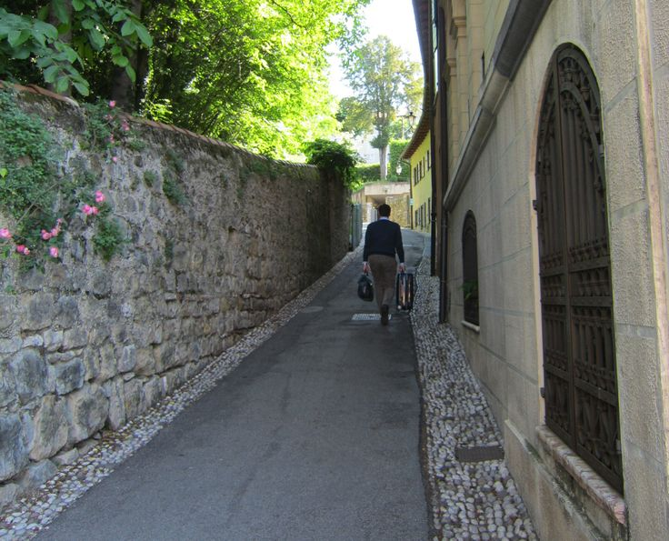 Asolo, home of very narrow streets