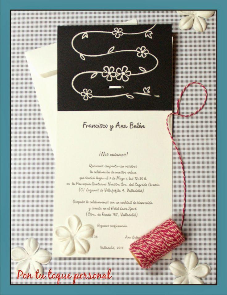 Invitación de boda en negro y marfil con dibujos en relieve. Interior.