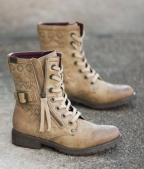 Roxy Tierra Boot. Cutest combat boot I've seen!