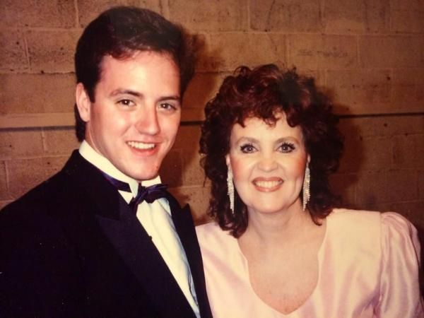 Pauline Collins at the 1989 Tony Awards  when she won for Shirley Valentine. (From @MikeCaprio)