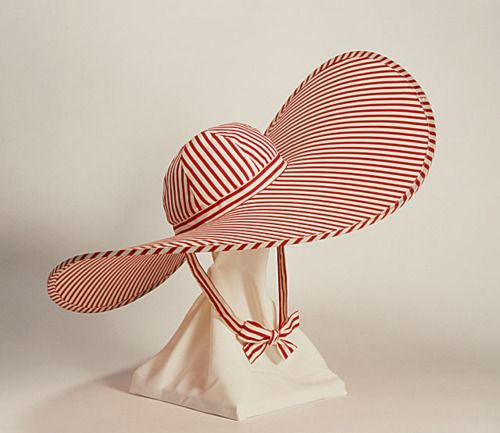 yeoldefashion:    Gone with the Wind was released in 1939 and immediately started a trend for huge summer hats like Scarlett's iconic straw one. This striped capeline was made the following year.