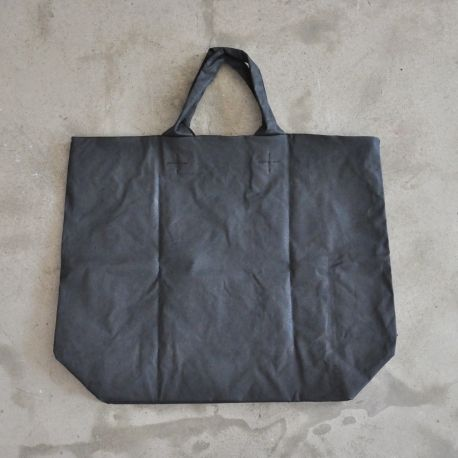 Squared bag, black waxed canvas