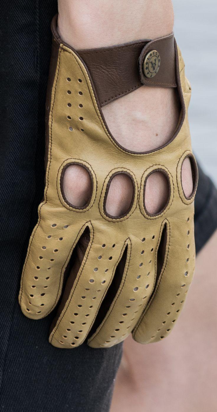 Driving gloves. Desert-Taupe